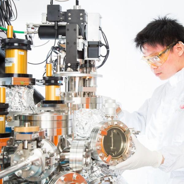 CN201883182U - Epitaxial growth equipment - Google Patents